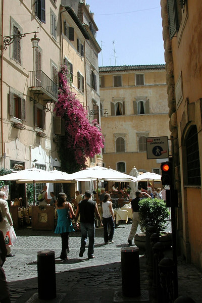 Piazza Della Rotunda, Rome / Karen Perrin Photo