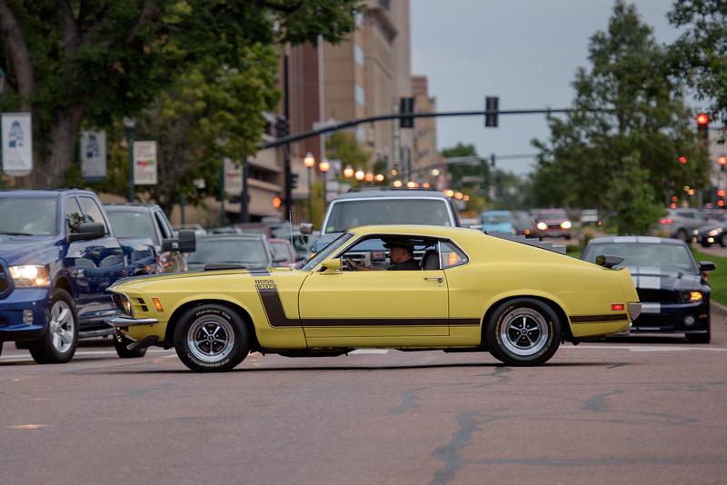 1521 Boss Mustang