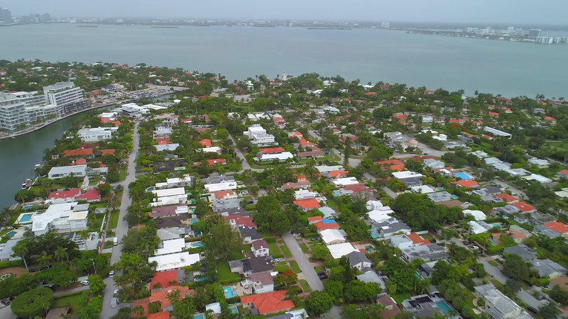 Aerial video The Ritz Carlton Residences Miami Beach 4k