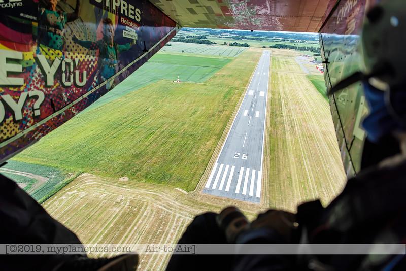 F20180609a105820_9178-décollage-Skyvan-porte ouverte-piste-Aalborg,Danemark.JPG