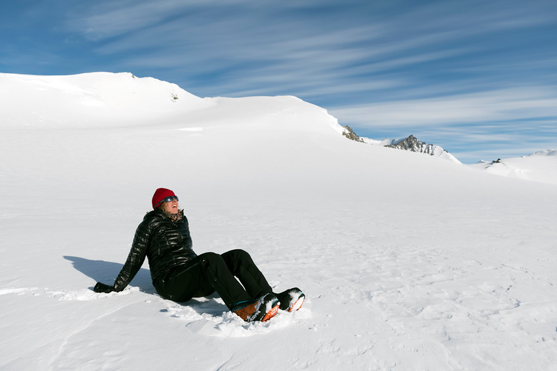 Climb Antarctica Women -1-11-18100637.jpg
