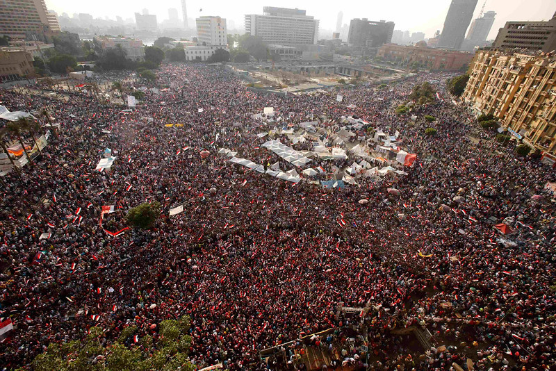 . An aerial view shows protesters against Egyptian President Mohamed Mursi in Tahrir Square in Cairo July 3, 2013. Egypt\'s armed forces and Islamist President Mursi refused to back down on Wednesday as a deadline for a military takeover passed with rival demonstrators out in force in the streets of Cairo. REUTERS/Suhaib Salem