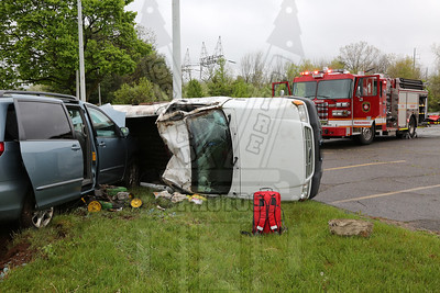 Manchester, Ct rollover with extrication 5/8/16