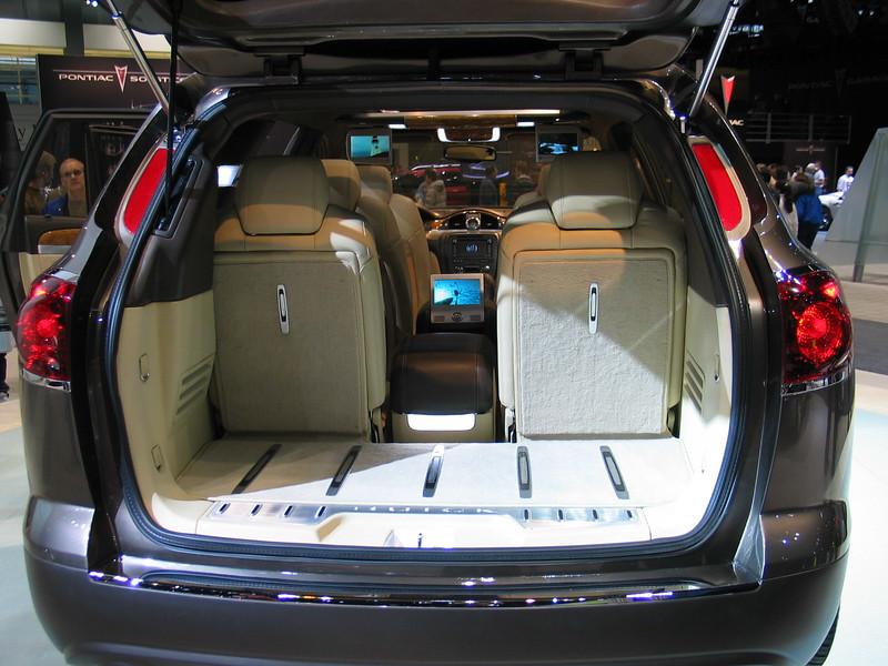 Concept: Buick Enclave (interior)