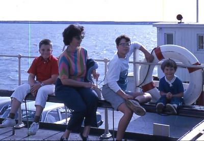 Mom's 90th BD pics 029.jpg