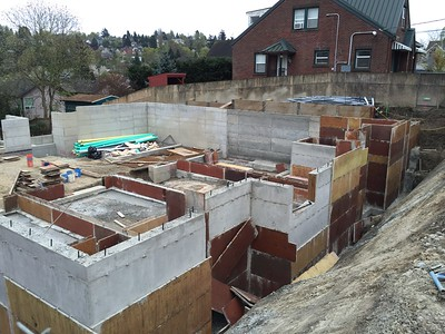 Isola Seven - Townhouse construction