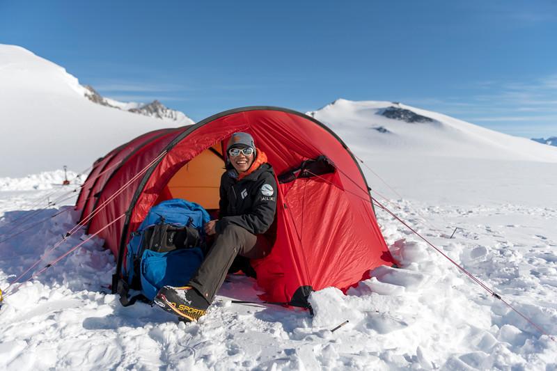 Climb Antarctica Women -1-11-18099844.jpg