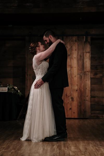rustic_ohio__fall_barn_wedding-387.jpg