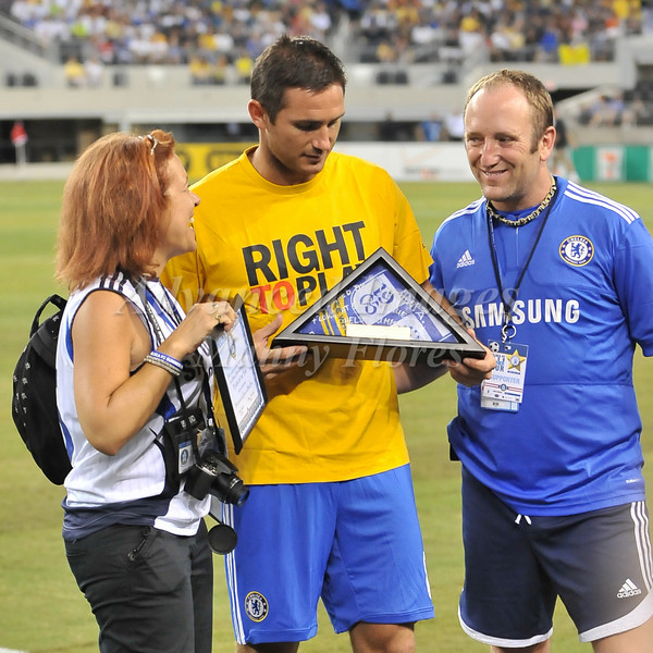 July 26 2009 World Football Challenge - Chelsea FC v Club America: #8 Frank Lampard of FC receives Player of the Year Award at the Cowboys Stadium in Arlington, Texas.Chelsa FC beats Club America 2-0.