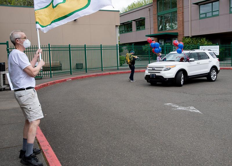 Senior_Car_Parade_050121_2360 - 300 DPI.jpg