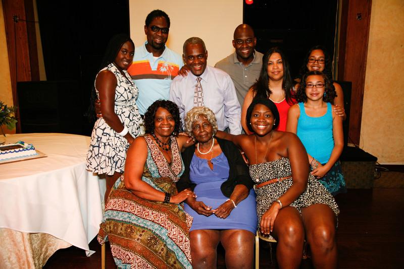 Edouard Family Reunion-3772.jpg