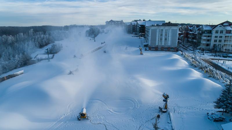 Snowmaking 1920-0002.jpg