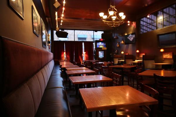 Bars/Cafes