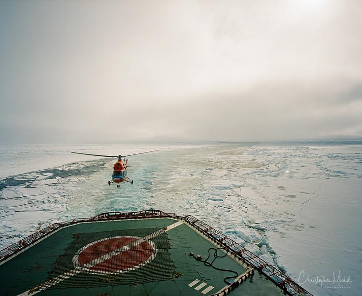 Helo in Arctica Mamiya.jpg