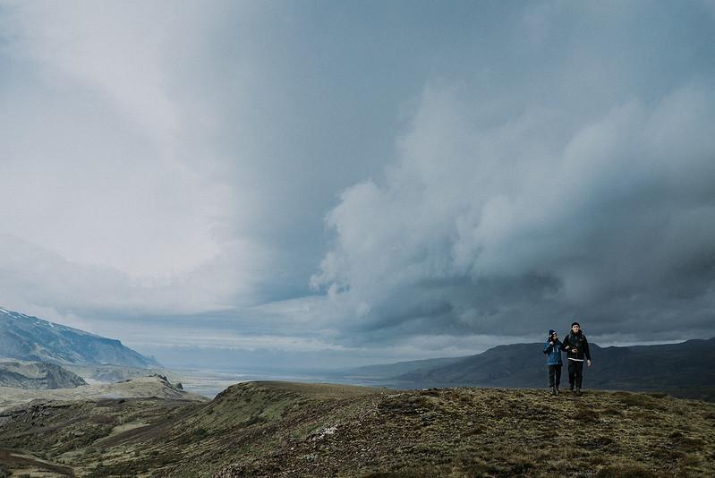 Tu-Nguyen-Destination-Wedding-Photographer-Iceland-Elopement-Fjaðrárgljúfur-16-201.jpg