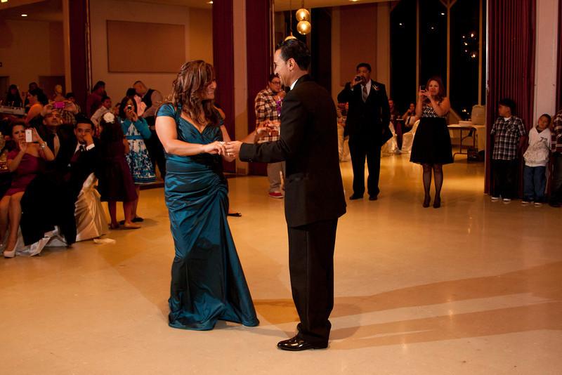 2011-11-11-Servante-Wedding-484.JPG