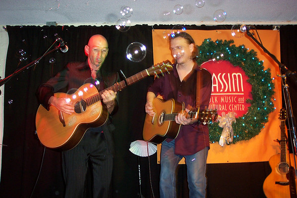Ellis at Passim - Late Show - Dec. 31, 2007