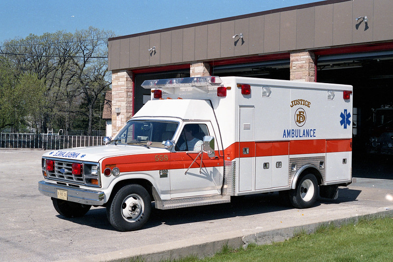 JUSTICE AMBULANCE 558  1985 FORD - ROAD RESCUE.jpg