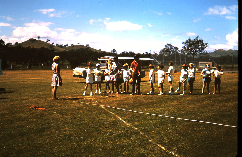 1971-11-5 (10) Yea sports.JPG