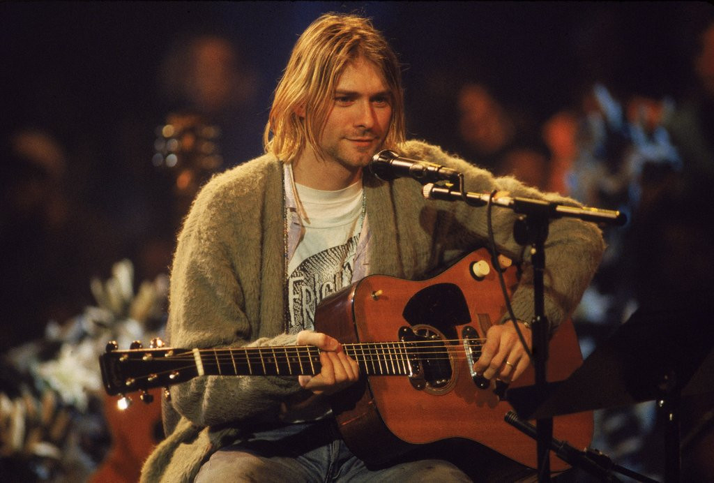 """. <p>7. KURT COBAIN <p>Now we know he and the missus weren�t much into housework. (unranked) <p><b><a href=\'http://www.dailymail.co.uk/news/article-2586299/Never-seen-photographs-reveal-Kurt-Cobains-Los-Angeles-apartment.html\' target=\""""_blank\""""> HUH?</a></b> <p>    (Frank Micelotta/Getty Images)"""