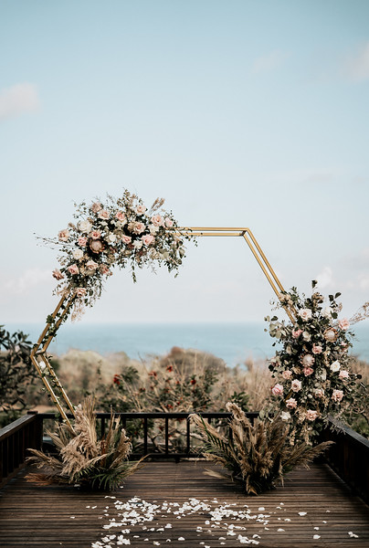 Bali Wedding Photographer, Hipster Wedding well captured the intimate wedding of Hong Kong couple, Carmen & Chester celebrated their destination wedding in the Shanti Residence private villas, Nusa Dua, Bali.