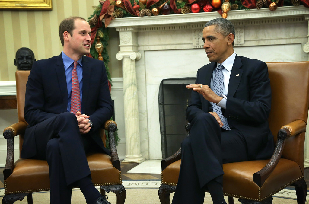 . U.S. President Barack Obama (R) meets with Prince William (L), Duke of Cambridge, in the Oval Office of the White House December 8, 2014 in Washington, DC. Prince William and his wife Catherine, Duchess of Cambridge, are on a two-day official visit in the United States.  (Photo by Alex Wong/Getty Images)