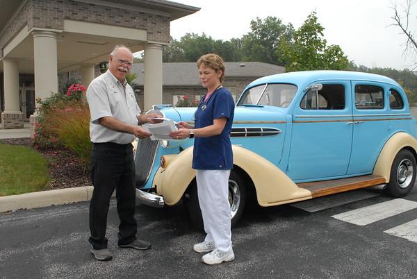 09-20-17 NEWS Hospice donation