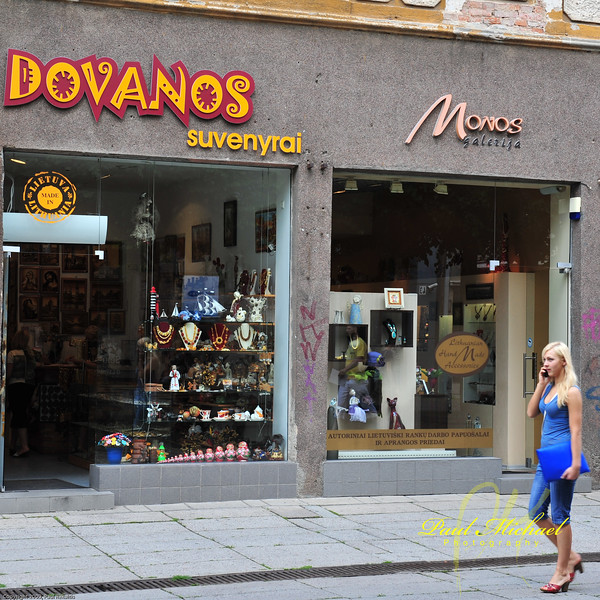 Dovanos - Gifts.  Now that's a nice gift!