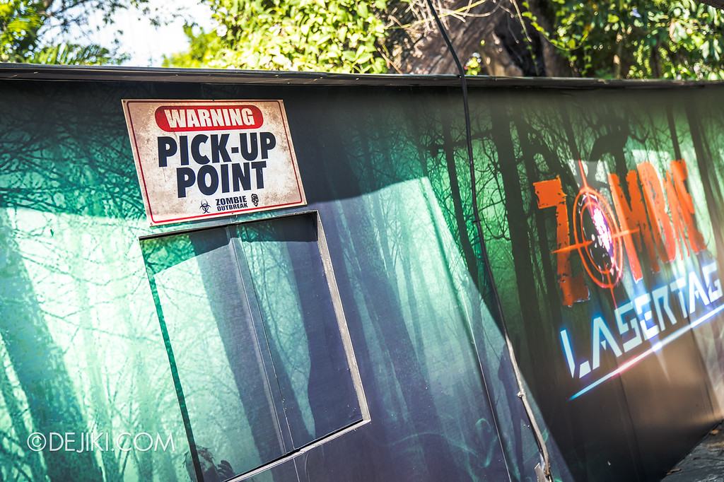 Halloween Horror Nights 8 - Zombie Laser Tag Pickup