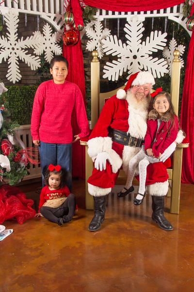 Santa 12-16-17-327.jpg