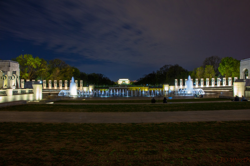 042118 Washington DC - WWII Memorial - Lincoln Memorial Night-2247.jpg