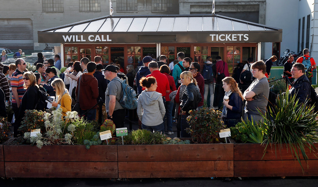 . Tourists in San Francisco hoping to visit Alcatraz, line up for refunds after the partial government shutdown stopped tours to the former federal penitentiary Tuesday, October 1, 2013. (Karl Mondon/Bay Area News Group)
