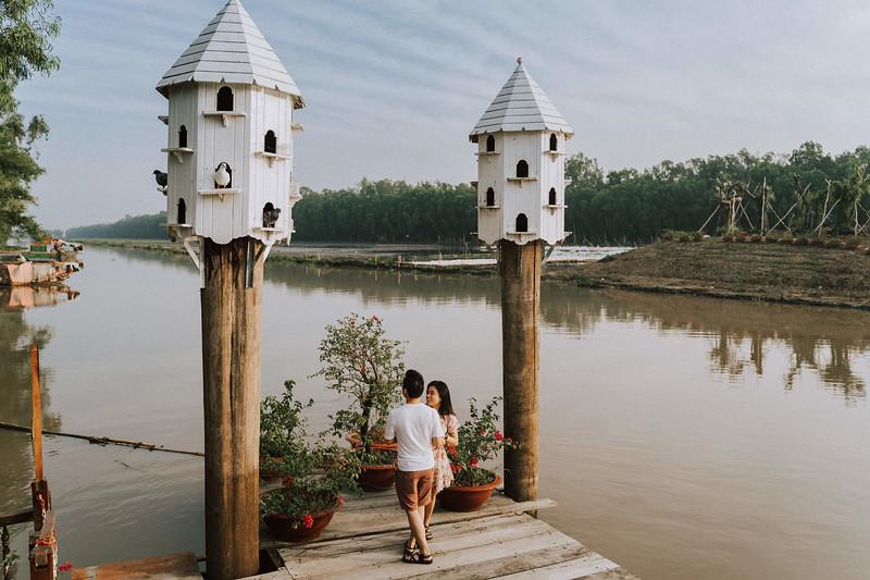 Tu Nguyen Wedding Mekong River Elopement Can Tho  - Southern Vietnam 4.jpg