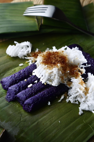 Filipino food puto bumbong.jpg