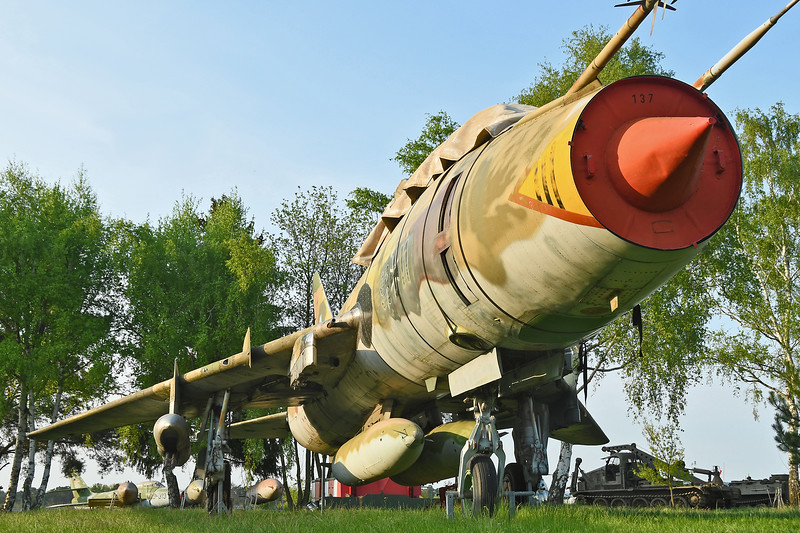 "Sukhoi Su-22UM3K  Fitter-G ""98+11"""