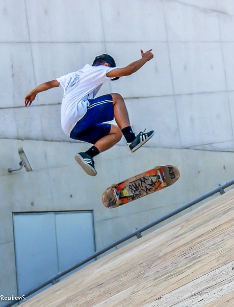 Young skateborder casa.jpg
