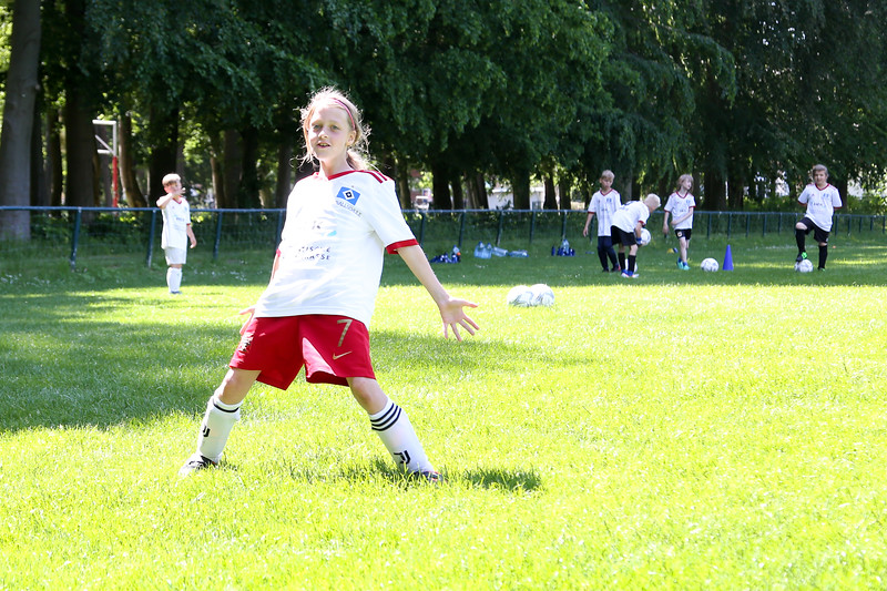 hsv_fussballschule-413_48047955906_o.jpg