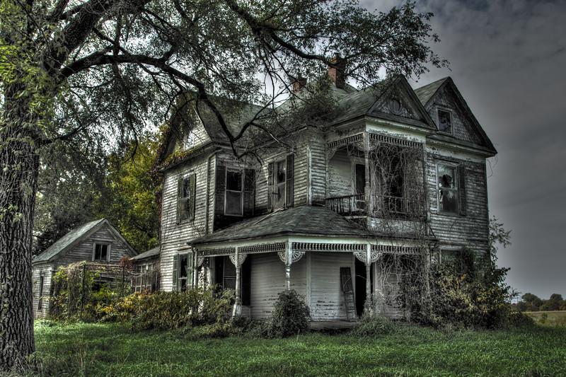 MO Fayette Farmhouse1.jpg