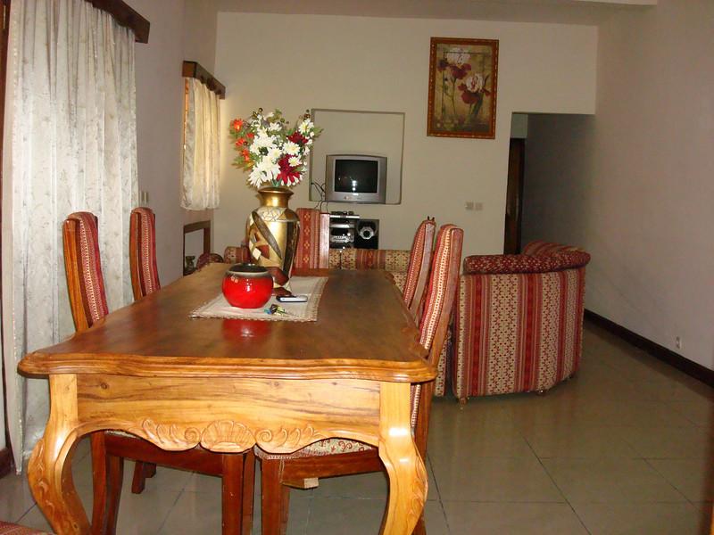 Séjour - Villa meublée climatisée avec la connexion internet haut débit 70 Euros par jour - 46000 F CFA par jour