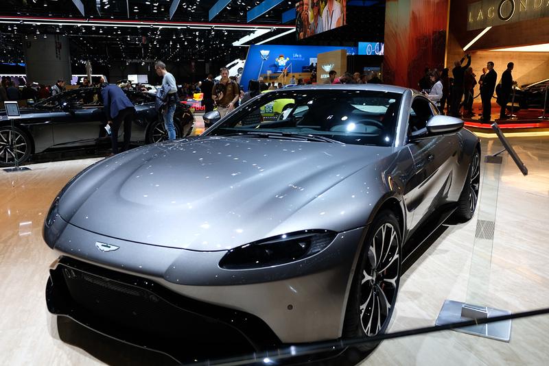 Aston Martin Vantage 02.jpg