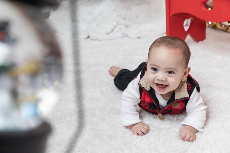 12.24.19 - Adriana's Christmas Photo Session 2019 - -26.jpg