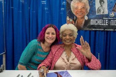 2017-11-19 Nichelle Nichols @ Comic Con