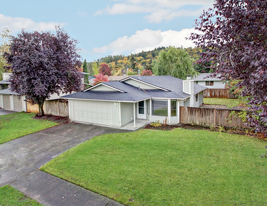1614 10th Ave SE, Puyallup