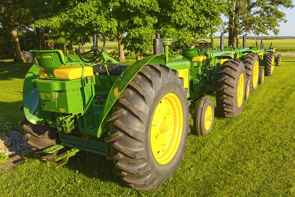 Winter Farm - John Deere Tractor collection
