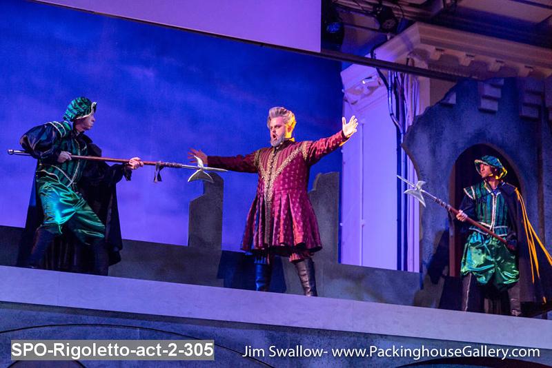 SPO-Rigoletto-act-2-305.jpg