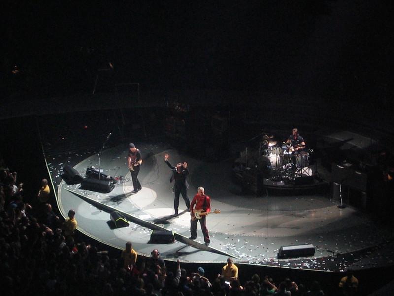 U2 Vertigo Tour MCI Center 2005-10-19 026