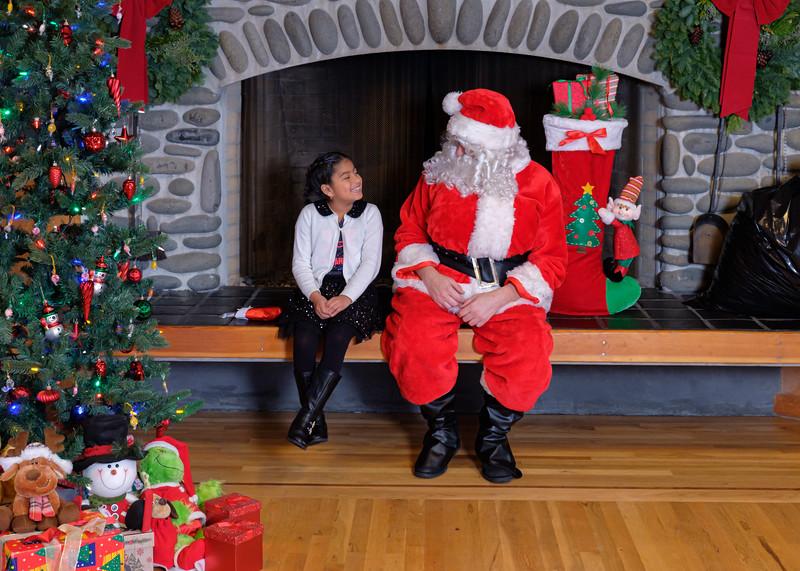 CB Santa 2019-7973.jpg