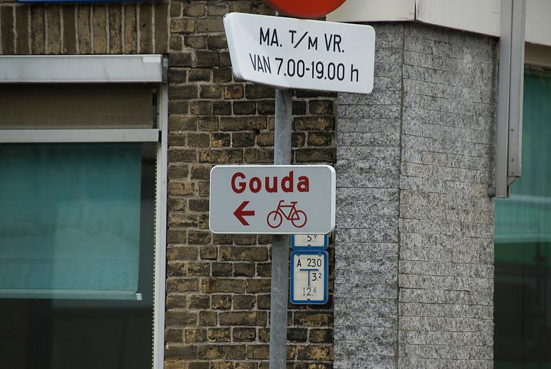 Sign to Gouda in Kinderdijk, Netherlands
