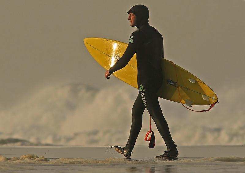 surferreadygoodlightB1600.jpg