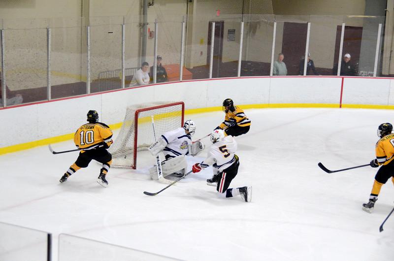141004 Jr. Bruins vs. Boston Bulldogs-019.JPG